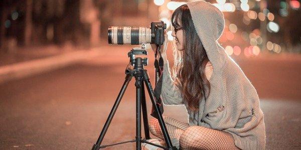 jak pozować do zdjęć