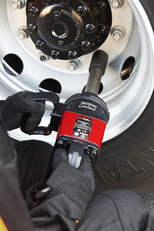 pneumatyczny klucz udarowy do koła samochodowego